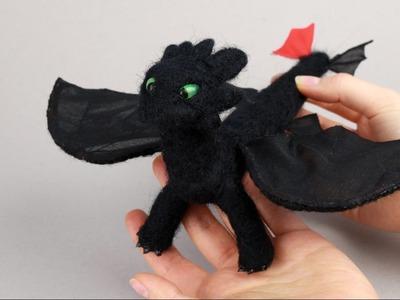 """Dragón de la pelicula """"como entrenar a tu dragón"""" hecho con estambre"""