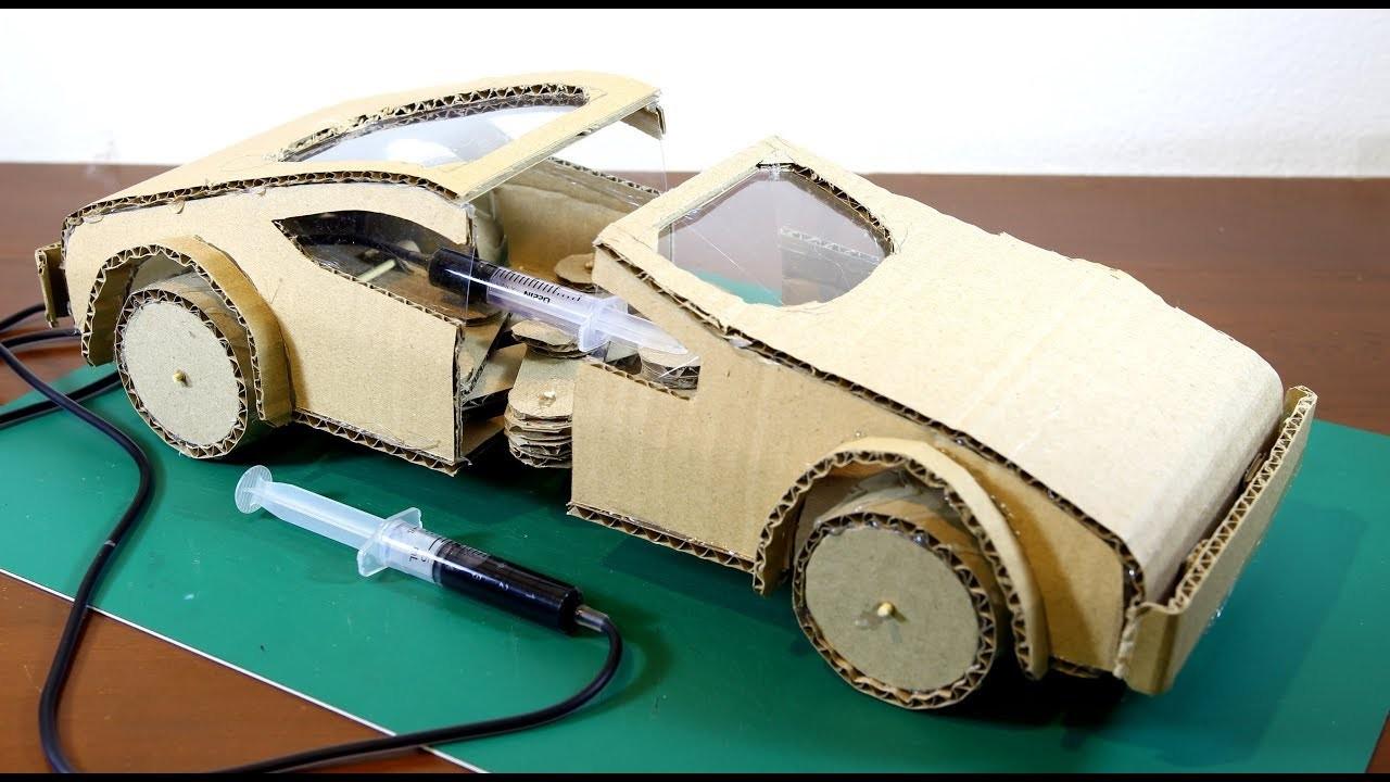 Hacer que un coche se mueva como un gusano usando cartón