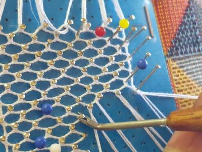 Unir 2 tiras de encaje en el punto de torchón