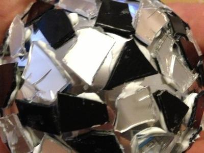 Como hacer una bola de discoteca con CDs reciclados - Hazlo tu Mismo Hogar - Guidecentral