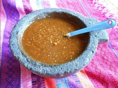 Salsa de Chile Morita y Chile de Arbol en Molcajete