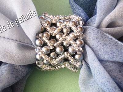 DIY - Nudo de perlas grises para pañuelo DIY - Gray pearl knotted scarf knot