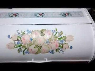 Panera de mi abuela decorada con Decoupage