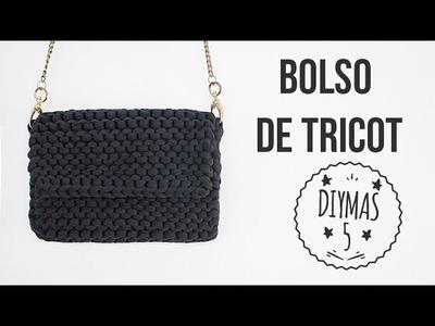 Bolso negro de tricot con trapillo