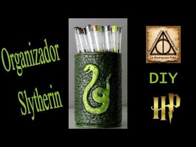 DIY. ORGANIZADOR DE UN SLYTHERIN. HARRY POTTER. Reciclado de latas.