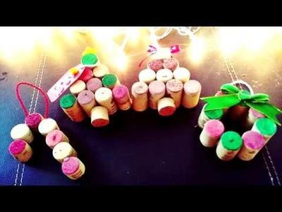 3 Manualidades navideñas con corchos.esferas y regalos faciles