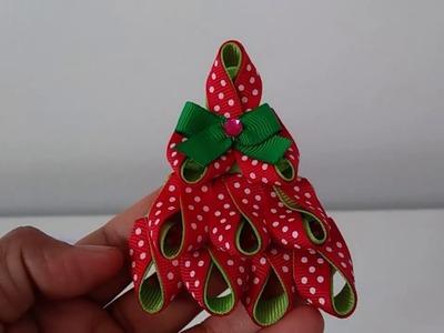 How To Make Christmas Tree Ribbon Hair Clip. Como hacer arbol de navidad en cinta gros para el pelo.