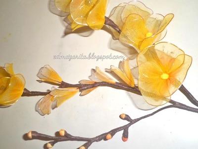 Cómo hacer flores de nylon (paso 2)