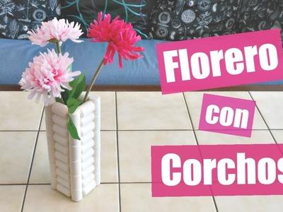 Reciclaje Creativo: Cómo hacer un florero con corchos   MundoaParty