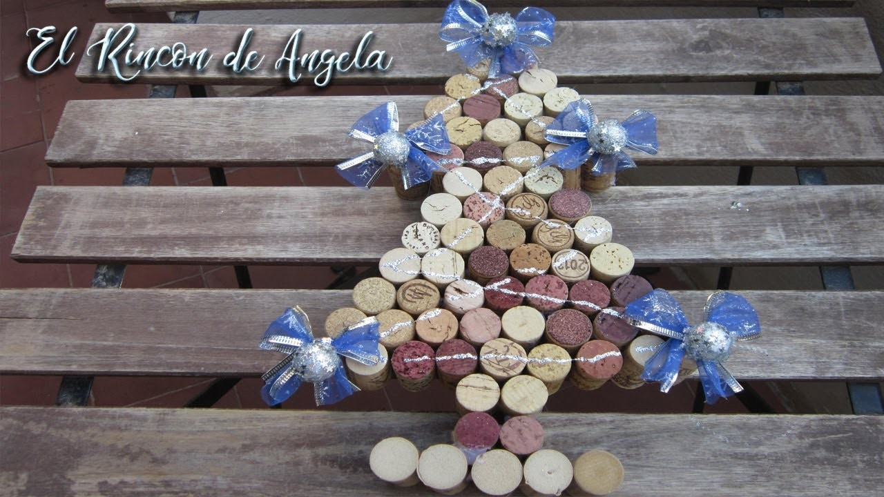 Árbol de navidad hecho con tapones de corcho reciclados - D.O. La mancha