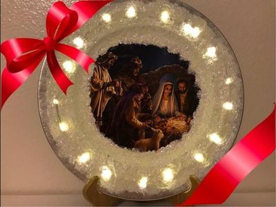 Plato decorado con el nacimiento y con luces