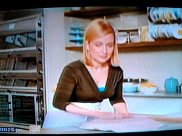 Anna Olson (español) pastel en forma de corazon con fondan