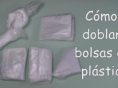 Cómo doblar bolsas de plástico
