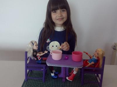 Como hacer una mesa para muñecas de foamy o goma eva