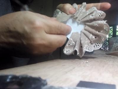 Como hacer flor con encaje guipur. Paso a paso