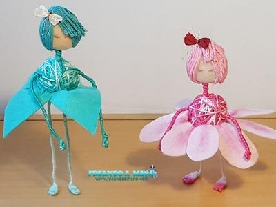 Muñecas hechas con forma de flores