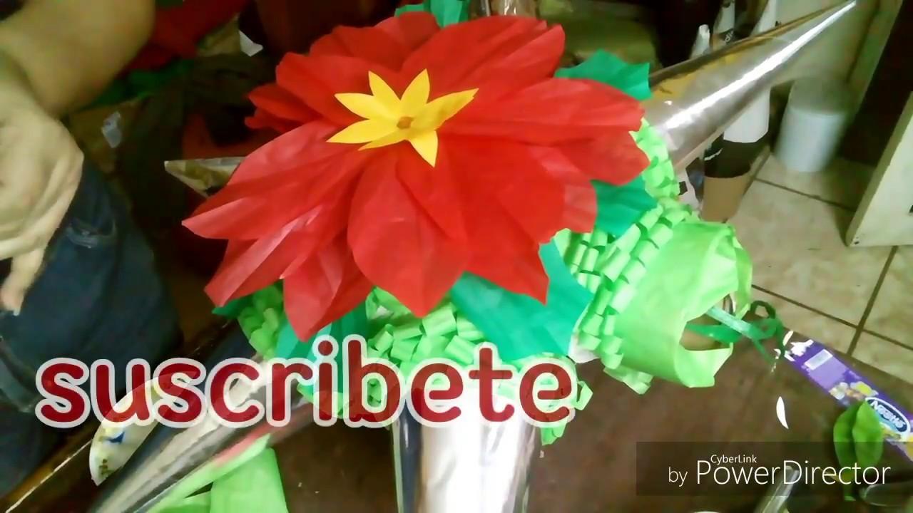 DIY  Decore una estrella navideña  con una flor de noche buena