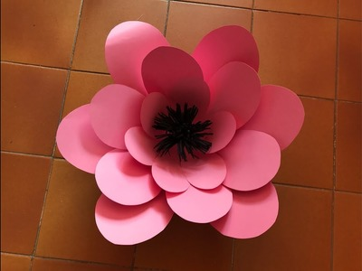 Flor grande 35 elaborada en cartulina Big flower made with paper