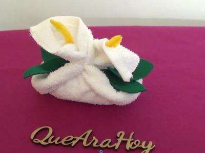 Canasta con flores de toalla DIY
