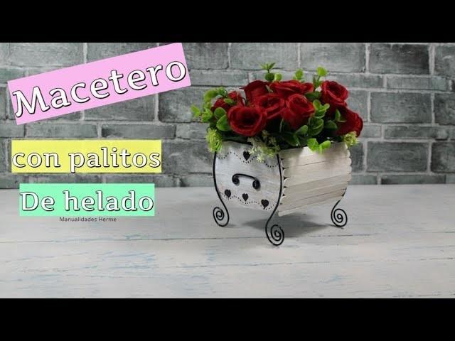 Macetero florero con palitos de helado