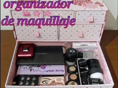 Organizador de maquillaje con caja de carton