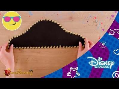 Los Descendientes 2: Tutorial -  Sombrero Pirata de Harry Hook | Disney Channel Oficial