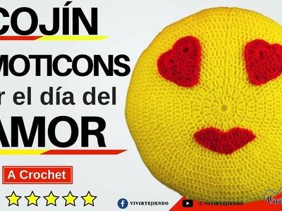 Aprende a tejer Cojín Emoticons por el día del Amor a Crochet | Tejidos por el día de San Valentín
