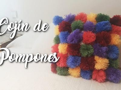 Cojín de pompones |  Doitmery