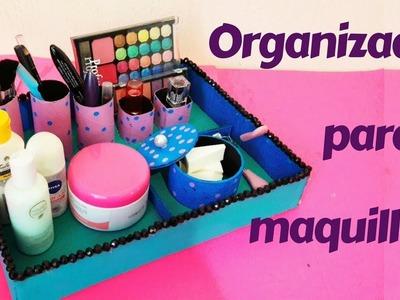 Organizador para maquillaje hecho con tubos de papel higiénico y cartón | Manualidades | DIY