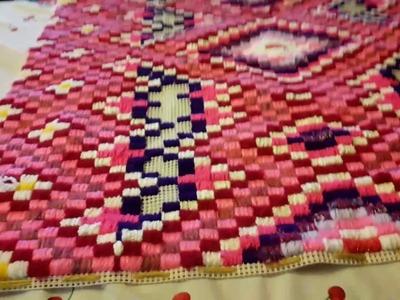 A menos de una hora de terminar esta obra textil de diseño Incaico