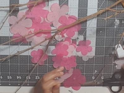 Rama de cerezo, flores de cerezo con papel de seda o papel china. cherry blossom