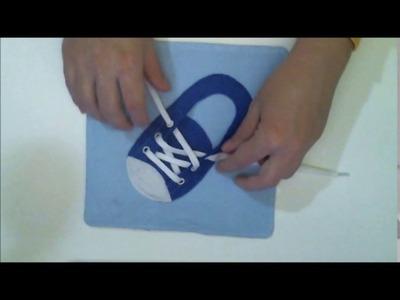 Libro sensorial de tela y fieltro ACTIVIDAD 16 ZAPATILLA babybookspain