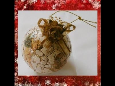 Como reciclar esferas Navideñas con cascara de huevo y decoupage.Christmas spheres with eggshell