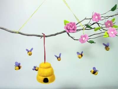 Móvil de abejas con lana fieltrable. mobile of bees with felting wool