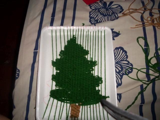 Arbolito de navidad hecho en telar decorativo