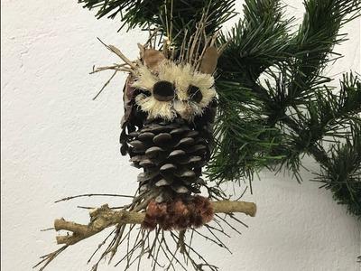 Búho hecho con piñas de pino Owl made with pine cones