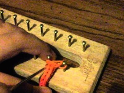 Como hacer pulseras de ligas o gomitas de colores facil