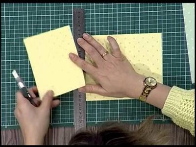 Como hacer una tarjeta de scrapbook con costura