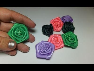 Flores de cinta de raso.