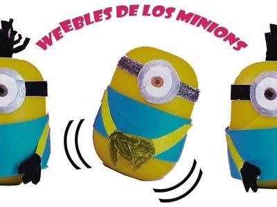 Como hacer weebles de los minions con una capsula de un huevo sorpresa manualidad facil para niños