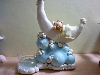Adorno de torta bautismo,nacimiento , Osito sobre luna y nube en porcelana fria
