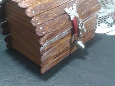 Como hacer un porta anillos cofre,con rollos de papel higienico. Recycled