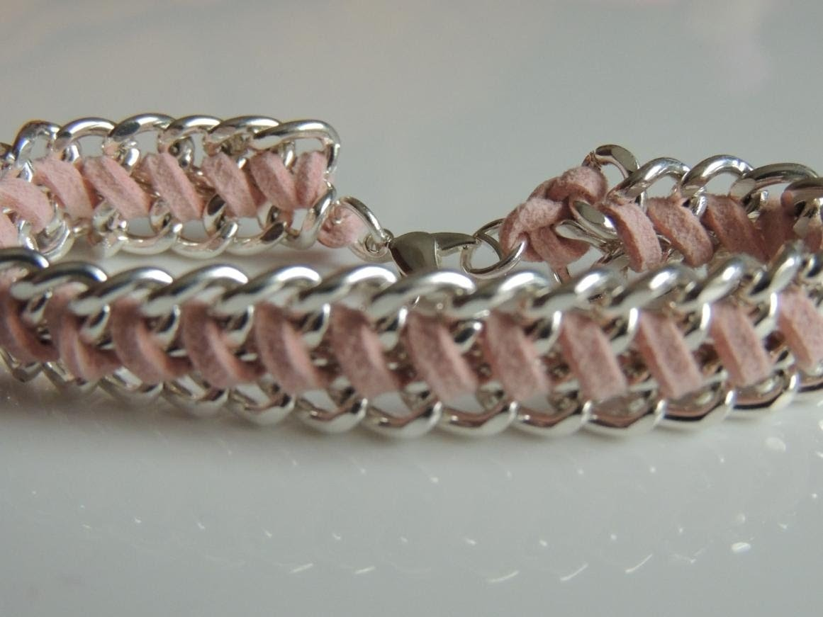 DIY Pulsera con cadenas y cordón de antelina. How to make bracelet chain.