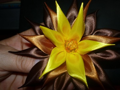 Moños de flores kanzashi en cinta de raso. hair accessories. No.097