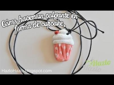 Cómo hacer un colgante cupcake.