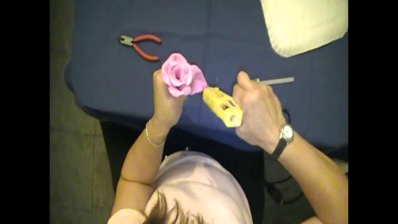 Como hacer una rosa en goma eva