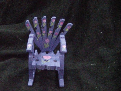 Wooden chair subtitle.Silla con trabas de ropa subs. proyecto 62