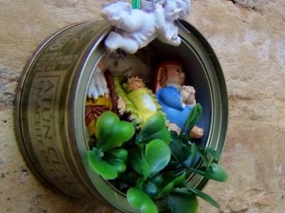Belén de Navidad con latas de atún recicladas