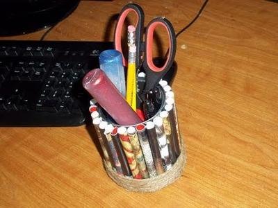Cómo hacer un porta lápices con revistas recicladas