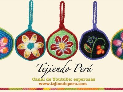 Adornos navideños inspirados en el bordado ayacuchano (Perú)